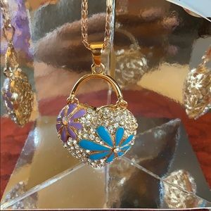 Jewelry - Flower Heart Necklace